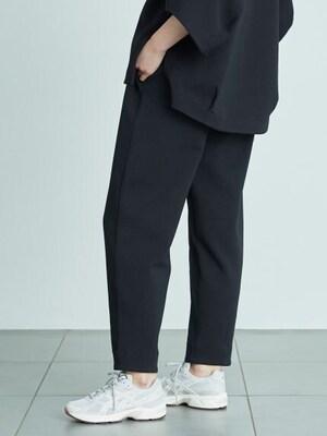 芸能人が雑誌 ViViで着用した衣装パンツ