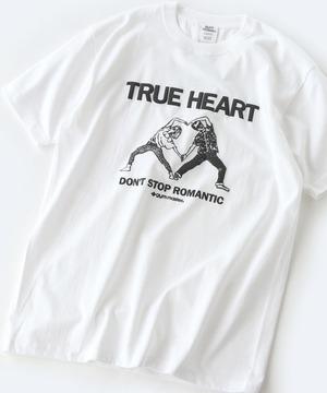 芸能人が婚姻届に判を捺しただけですがで着用した衣装Tシャツ