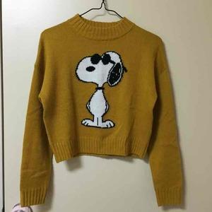 芸能人がTwitterで着用した衣装ニットセーター