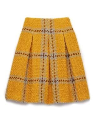 芸能人がビビナイトで着用した衣装ニット/スカート