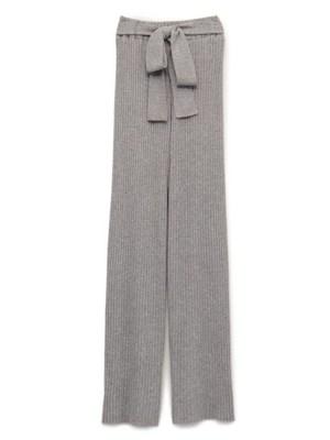 芸能人がviviで着用した衣装コート/パンツ