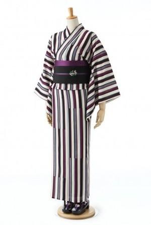 芸能人主役・40歳のキャリアウーマンがオトナ女子で着用した衣装浴衣