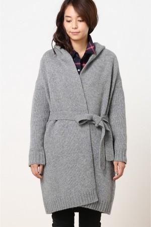 芸能人がインターネットで着用した衣装カーディガン/コート