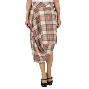 芸能人二階堂ふみがアナザースカイで着用した衣装スカート