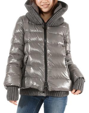 芸能人が小泉今日子50歳 ニューヨークで着用した衣装ジャケット
