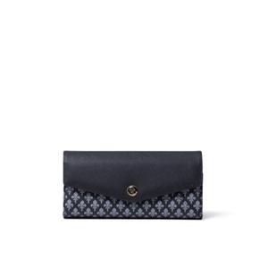 芸能人が女性作家ミステリーズ 美しき三つの嘘で着用した衣装財布