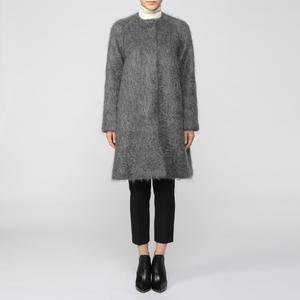 芸能人がCM サントリー オールフリーで着用した衣装コート