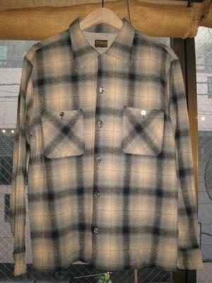 芸能人がSMAP×SMAPで着用した衣装シャツ/ネックレス
