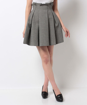 芸能人主役・ダメなアラサー女がダメな私に恋してくださいで着用した衣装スカート