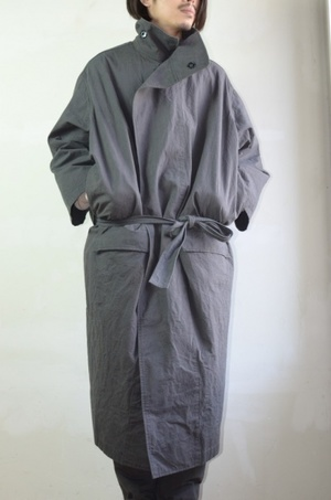 芸能人が臨床犯罪学者 火村英生の推理で着用した衣装コート