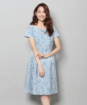 芸能人が本田朋子オフィシャルブログで着用した衣装ワンピース