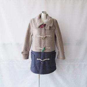 芸能人が2016年1月24日放送シューイチで着用した衣装バイカラーのダッフルコート