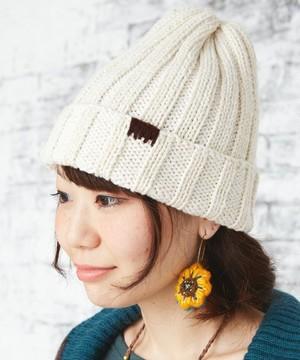 芸能人デザイナーを目指し上京した女の子がいつかこの恋を思い出してきっと泣いてしまうで着用した衣装帽子/ニット/ストール・マフラー