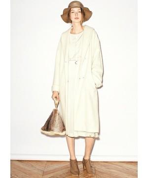 芸能人結婚しない女・キャリアウーマン・総合商社勤務が家族ノカタチ で着用した衣装コート