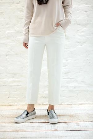 芸能人モデルがコレカウショップで着用した衣装パンツ