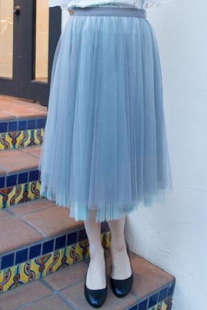 芸能人がコレカウショップで着用した衣装スカート