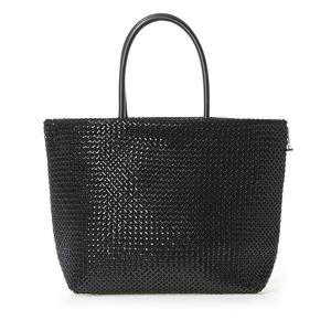 芸能人エリート銀行マンの姉がナオミとカナコで着用した衣装バッグ