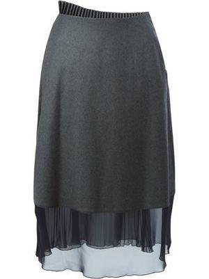 芸能人がジョブチューン ~アノ職業のヒミツぶっちゃけます!で着用した衣装グレーのスカート