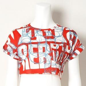 芸能人結婚できない男が通うジムのインストラクターが家族ノカタチで着用した衣装Tシャツ