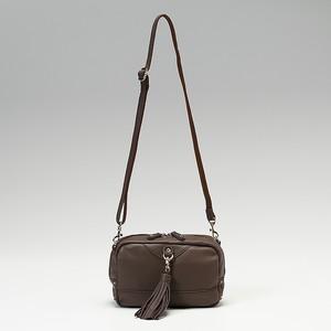 芸能人が松本清張二夜連続ドラマスペシャル「地方紙を買う女」で着用した衣装ストール・マフラー/バッグ