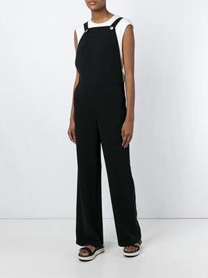 芸能人がCM アサヒグループ食品 ミンティアで着用した衣装黒のサロペット
