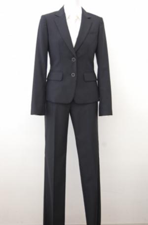 芸能人が神奈川県厚木市 ランドリー茅ヶ崎で着用した衣装スーツ