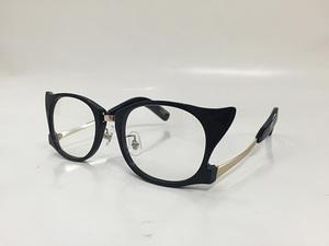 芸能人がSCHOOL OF LOCK!!ホームページで着用した衣装メガネ
