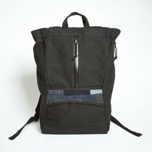 芸能人が通学電車/通学途中で着用した衣装バッグ