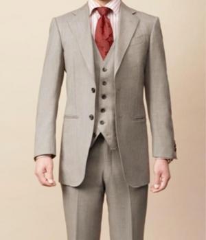 芸能人がその男意識高い系で着用した衣装スーツ