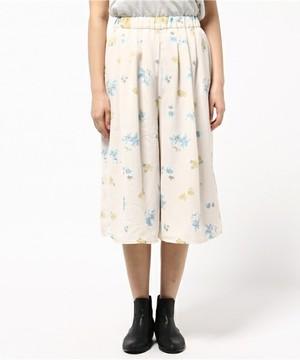 芸能人が早子先生、結婚するって本当ですか?で着用した衣装パンツ
