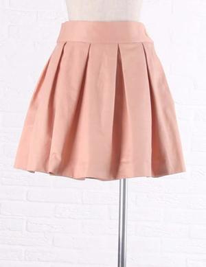 芸能人が司法教官・穂高美子4で着用した衣装スカート