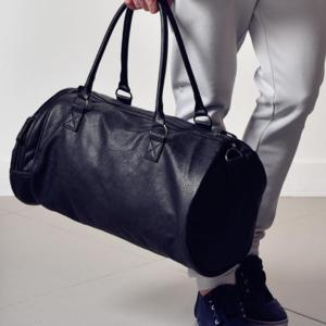 芸能人がHK/変態仮面 アブノーマル・クライシスで着用した衣装バッグ