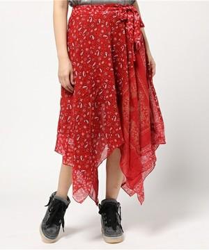 芸能人が火曜日サプライズで着用した衣装Tシャツ・カットソー/スカート