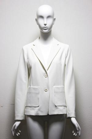 芸能人が未来世紀ジパングで着用した衣装アウター