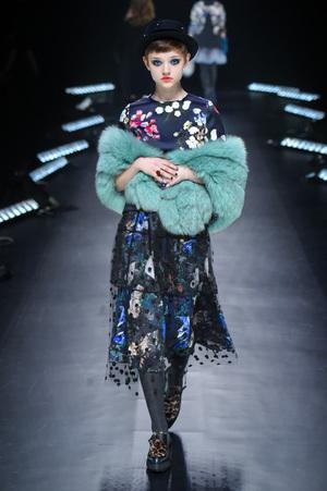 芸能人がアンビリーバブルで着用した衣装ドレス
