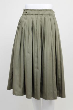 芸能人田中美里が貞子vs伽倻子で着用した衣装スカート