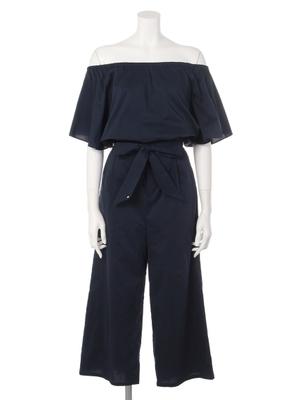 芸能人がブログで着用した衣装オフショルダーセットアップ