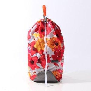 芸能人が日商エステムで着用した衣装バッグ