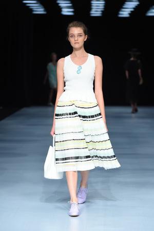 芸能人がCM アサヒビール アサヒオフで着用した衣装スカート