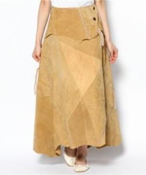 芸能人が独身貴族で着用した衣装スカート