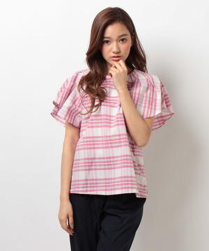 芸能人がシューイチで着用した衣装ピンクのチェックシャツ