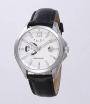 芸能人がこうのとりのゆりかごで着用した衣装時計