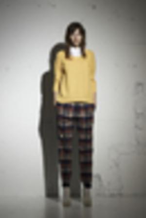 芸能人がCM CANON PIXUSプリンターで着用した衣装パンツ