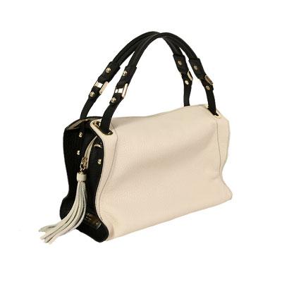 芸能人が世にも奇妙な物語で着用した衣装バッグ