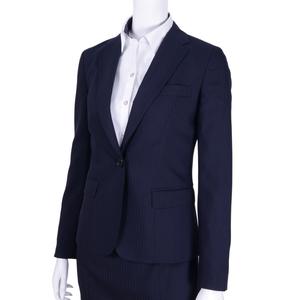 芸能人主役・人生迷走中のパティシエが好きな人がいることで着用した衣装スーツ