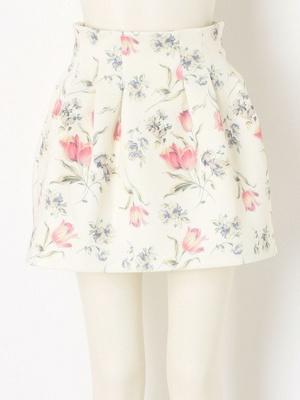 芸能人が東京暇人で着用した衣装スカート