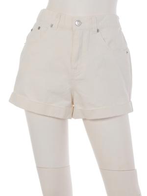 芸能人八木莉可子がミスセブンティーン2016で着用した衣装ボトムス