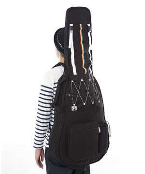 芸能人藤原さくらがラヴソングで着用した衣装ギターケース