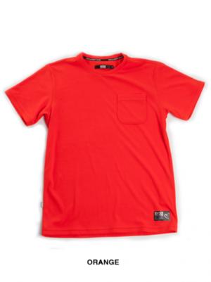 芸能人が日産「新型セレナ」デビューイベントで着用した衣装Tシャツ/カットソー