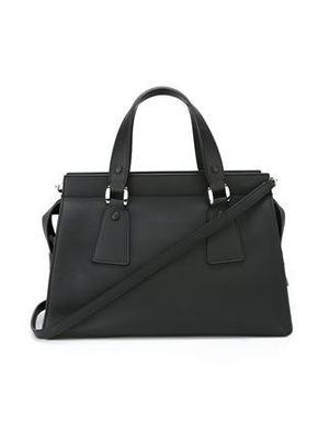 芸能人主役・営業部長が営業部長 吉良奈津子で着用した衣装バッグ